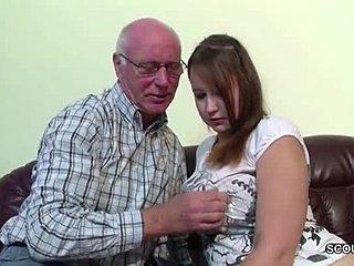 opa fickt enkelin deutsch